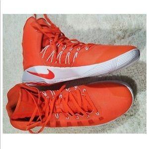 best service 1365a a7888 Nike Shoes - NEW NIKE HYPERDUNK TB PROMO BASKETBALL SHOES
